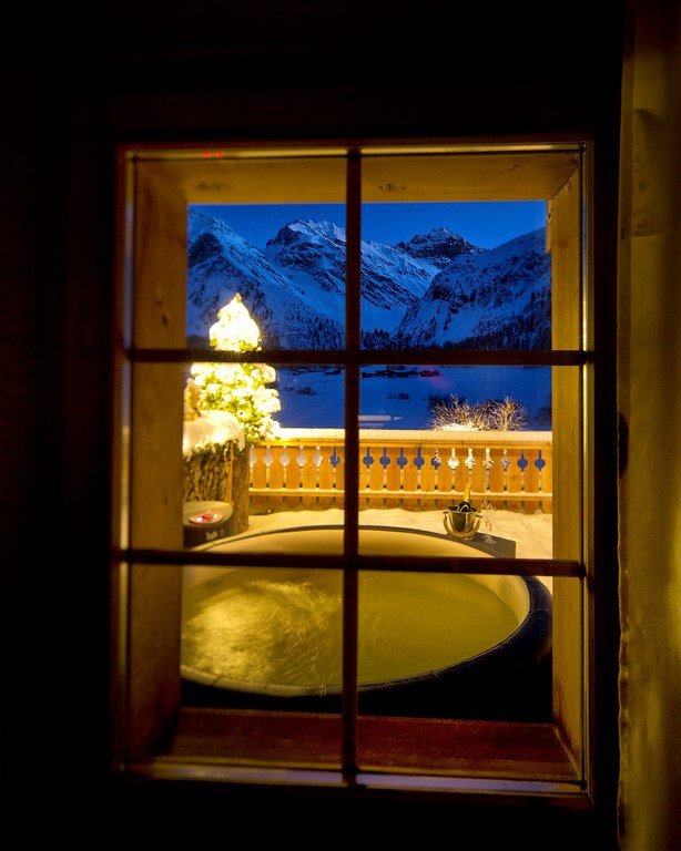 Softub hot tub in the alpes