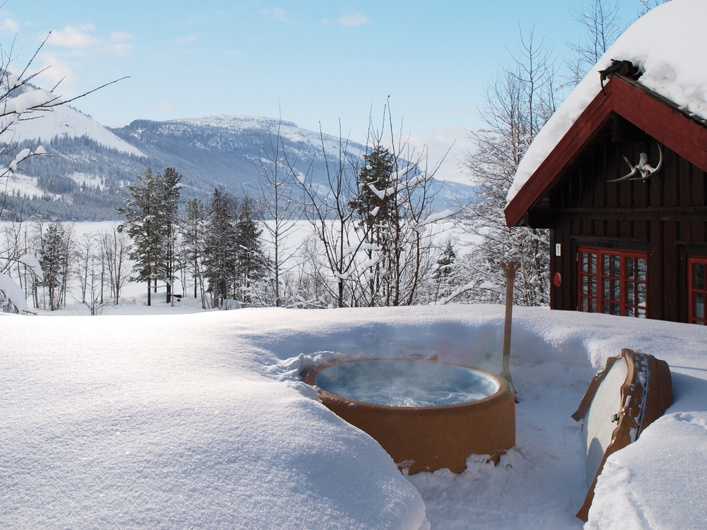 Softub hot tub in the snow